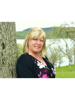 Alisha Yarnell - Real Estate Agent