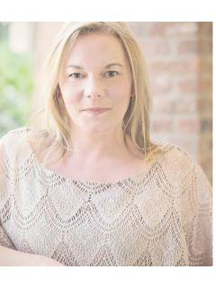Elizabeth Hartman - Real Estate Agent