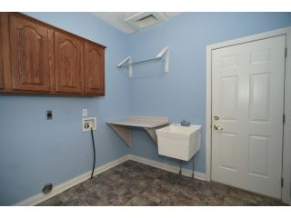 25-Laundry-Room_DSC7232