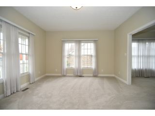09-Formal-Living-Room_DSC7236