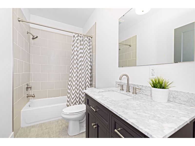 22_Guest Bathroom