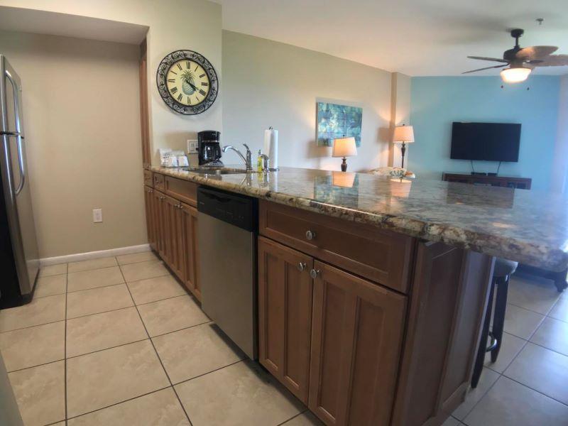 8_Ocean Pointe 5407 Kitchen
