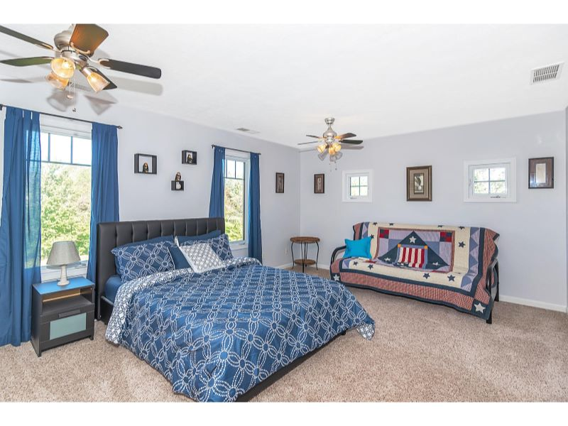9764 Lakewood Dr Zionsville IN-027-15-Master Bedroom-MLS_Size