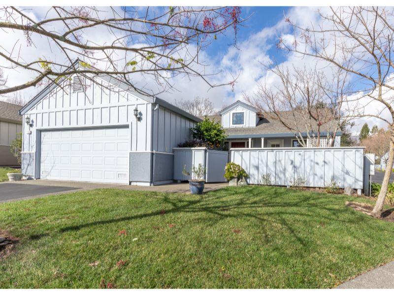 713 Amherst Circle,  Sonoma, CA 95476