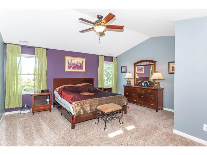 9764 Lakewood Dr Zionsville IN-020-22-Master Bedroom-MLS_Size