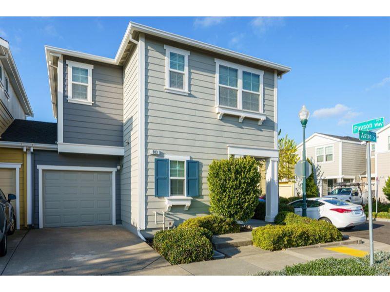 983 Aston Circle,  Santa Rosa, CA 95404