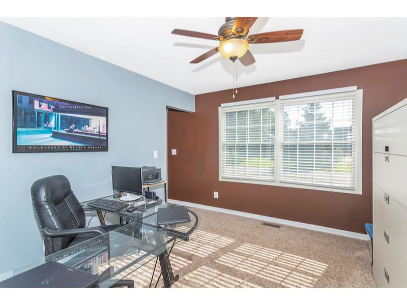 9764 Lakewood Dr Zionsville IN-004-18-Den-MLS_Size