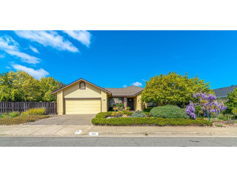 381 Miramonte Place,  Santa Rosa, CA 95409