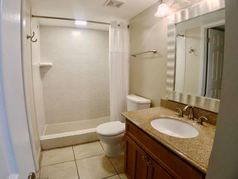 12_Ocean Pointe 5407 Guest Bath