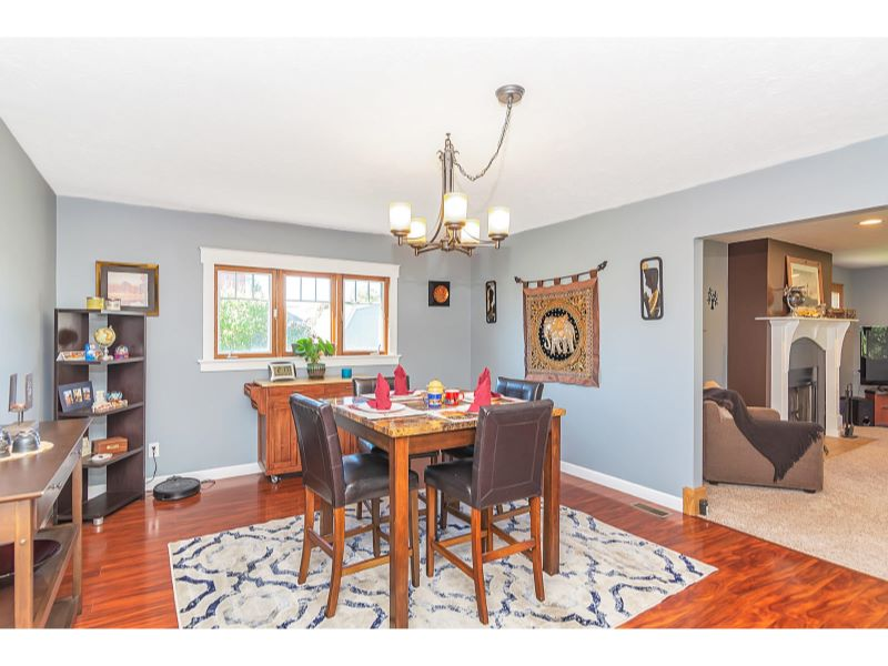 9764 Lakewood Dr Zionsville IN-009-25-Dining Room-MLS_Size