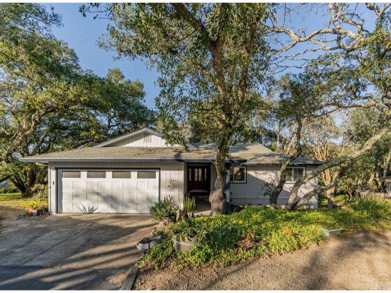 6453 Meadowridge Drive,  Santa Rosa, CA 95409