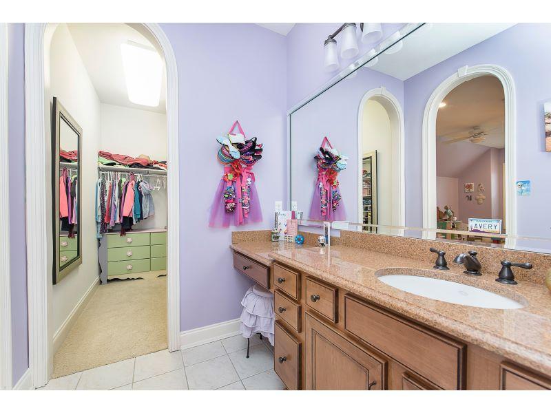28_Jack and Jill Bathroom