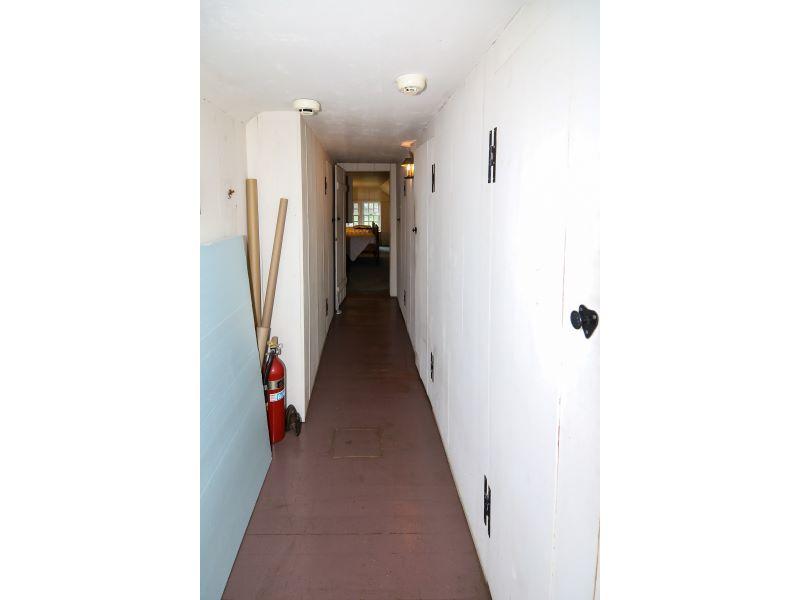 21 Hallway