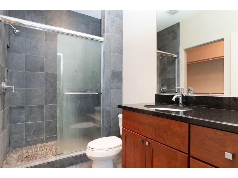 25_Bathroom