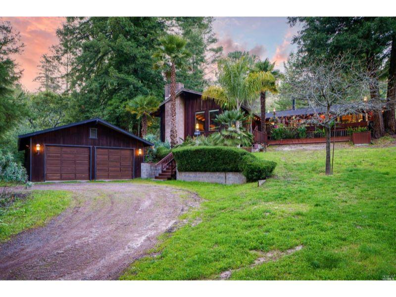8350 Camp Road,  Sebastopol, CA 95472