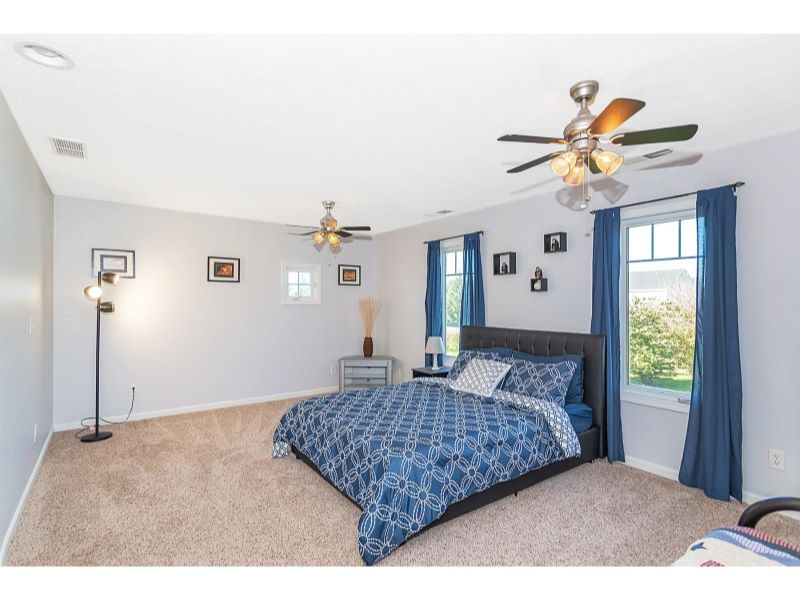 9764 Lakewood Dr Zionsville IN-026-23-Master Bedroom-MLS_Size