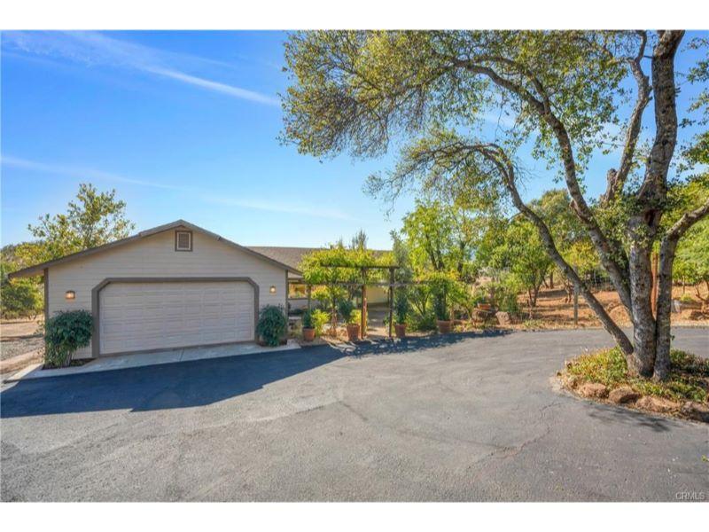 19560 Stonegate Road,  Hidden Valley Lake, CA 95467