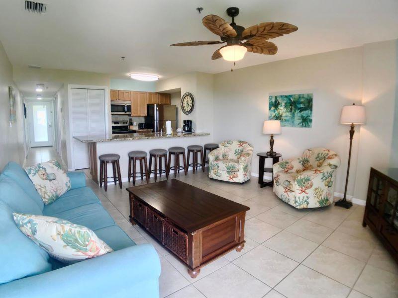 4_Ocean Pointe 5407 Living Room