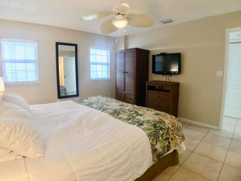 14_Ocean Pointe 5407 Main Bedroom