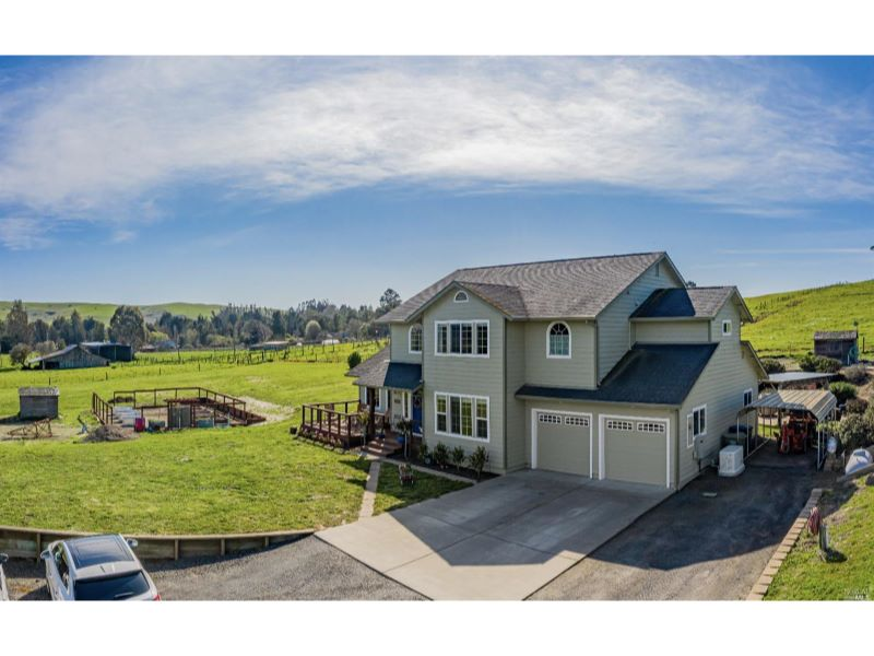 6352 Bloomfield Road,  Petaluma, CA 94952