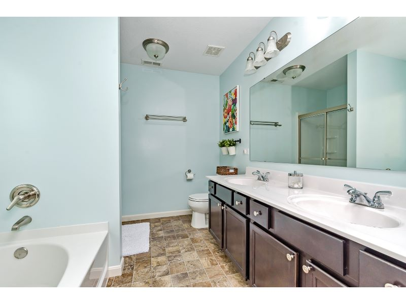 17_Master Bathroom