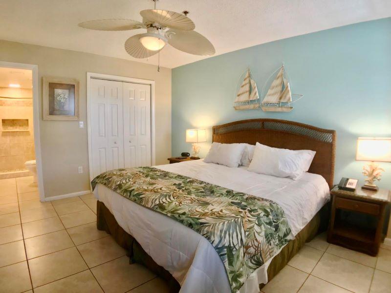 15_Ocean Pointe 5407 Kitchen