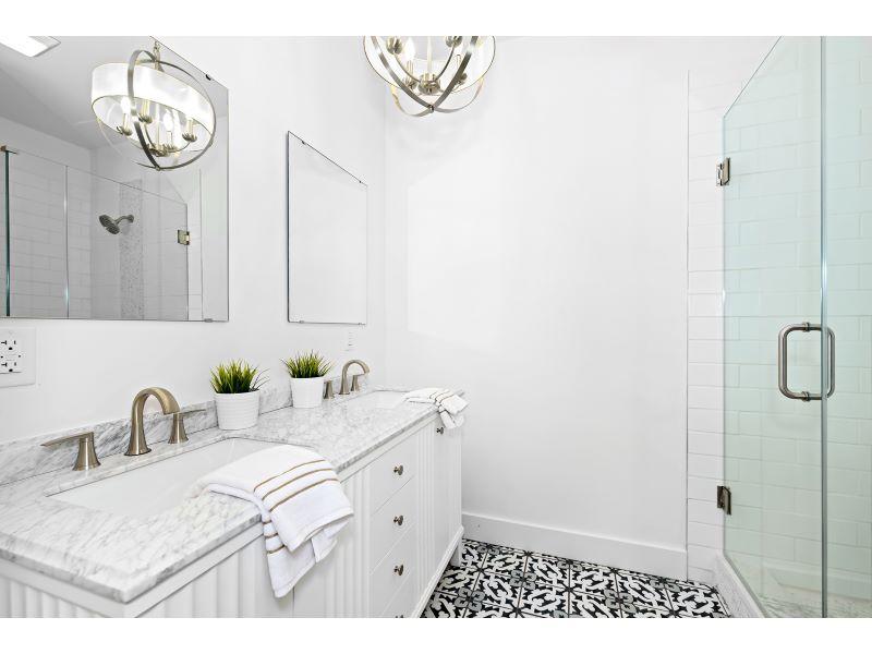 17.1_Master Bathroom