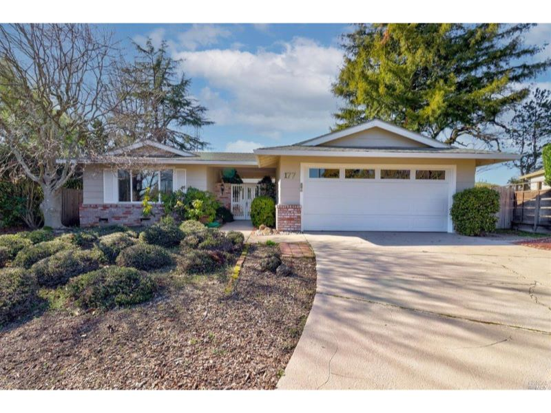 177 Oak Shadow Drive,  Santa Rosa, CA 95409