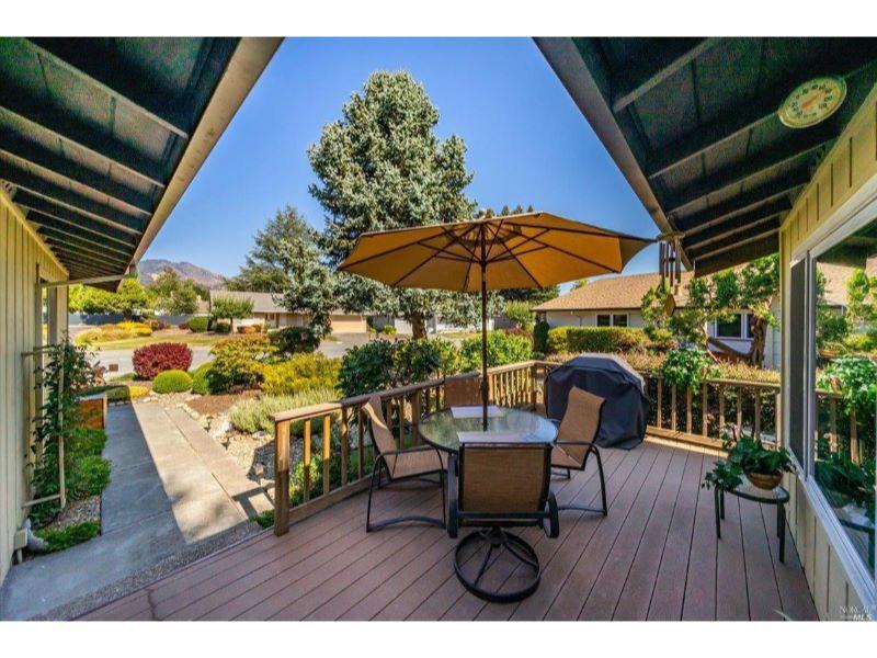 6588 Meadowridge Drive,  Santa Rosa, CA 95409