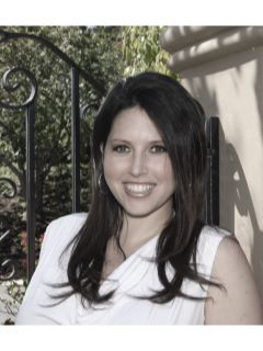 Lauren Kovacs - Real Estate Agent