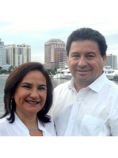 Claudia Arriagada - Real Estate Agent