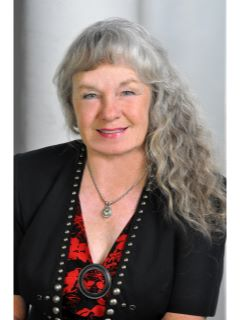 Lynn Carlton - Real Estate Agent