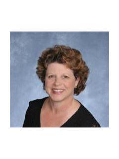 Lynn Connolly - Real Estate Agent