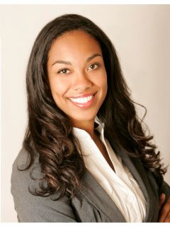 Nicole Simmons - Real Estate Agent