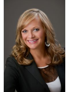 Kelly Burns - Real Estate Agent