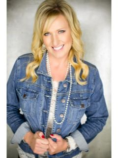 Holly Williams - Real Estate Agent