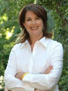 Daniella Ellicott - Real Estate Agent