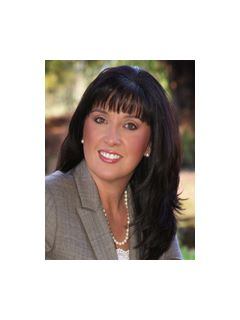 Stacy Malone - Real Estate Agent