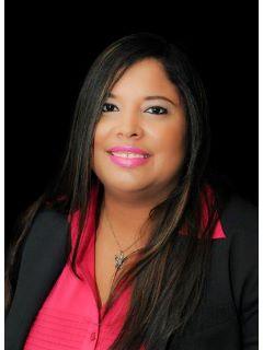 Yameli Rapozo - Real Estate Agent
