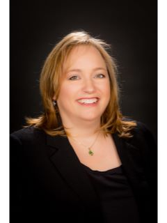 Leanne Schaumberg - Real Estate Agent
