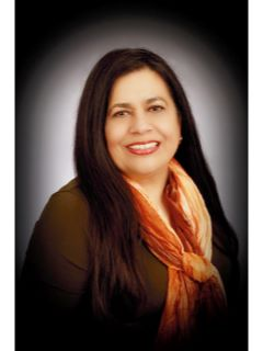 Laura Paz - Real Estate Agent