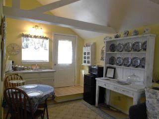 29.Cottage Kitchen