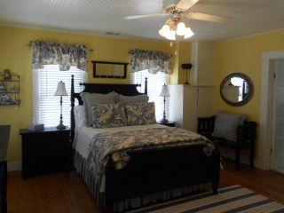 18.Bedroom 2