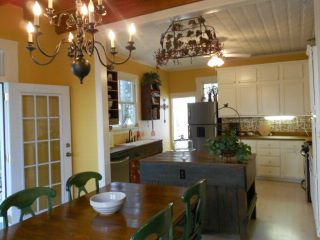 08.Dining Room-Kitchen