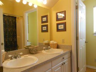 32.Cottage Bath